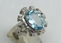 「アクアマリン ダイヤモンド 指輪 買取りました」