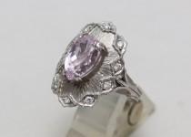 「クンツァイト 指輪 宝石 買取りました」