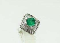 「エメラルド ダイヤモンド 宝石 指輪 買取りました」
