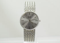「ピアジェ 750 金無垢 腕時計 買取りました」