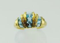 「ブルートパーズ ダイヤモンド 指輪 宝石 買取りました」